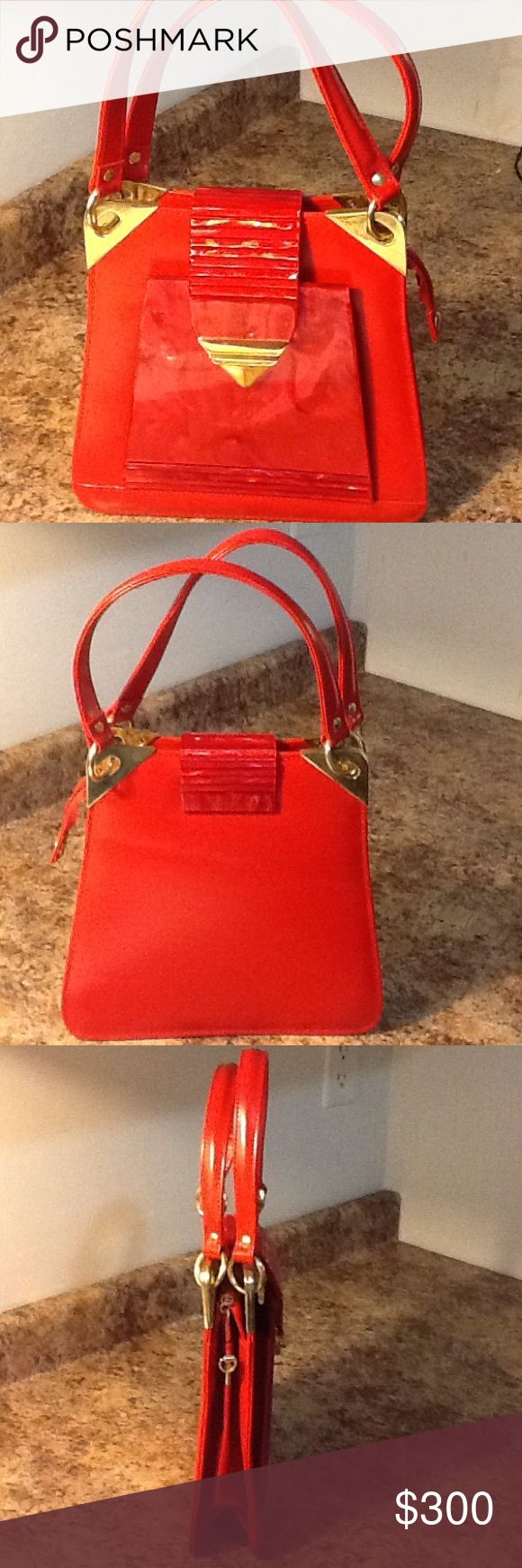 RARE! Guang tong gold red purse. NWOT Never used, cute bag, authentic leather bag C Matches most outfit, from plain to prints; from formal to evenings Guang Tong Bags Satchels