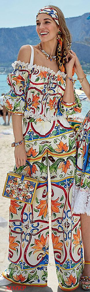 dolce-and-gabbana-summer-2018-woman-mondello-collection