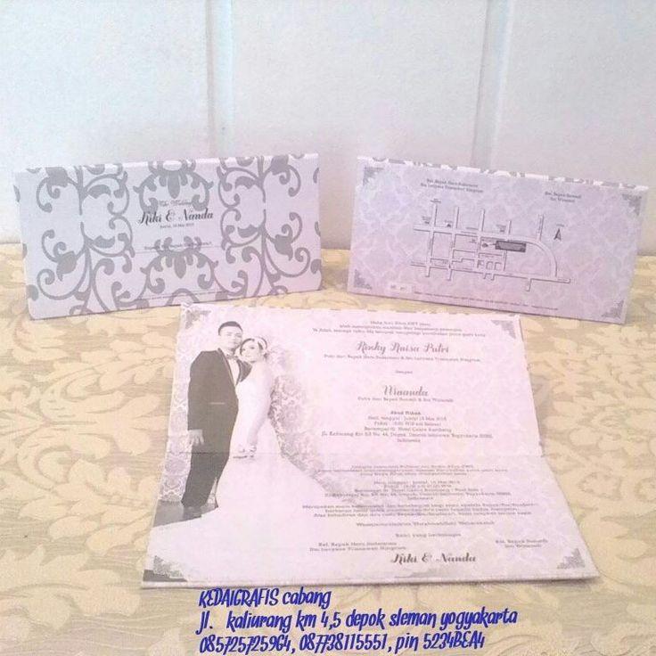 selamadh malam kaka tersayang.. undangan orderan mba rizky dan mas nanda Yogyakarta uda kelarr. nice elegan.. kaka mau undangan yg murah tapi tetep terlihat elegan? chat me kaak.. :) 5234BEA4 atau WA 085725725964 #undangan #undanganmurah #undangannikah #undanganpernikahan #undanganperkawinan #undanganmodern #undanganspesial #undanganunik #undanganwedding #undangansamarinda #undanganjogja #undangantarakan #undangankalimantan #undanganpalingmurah #weddinginvittation
