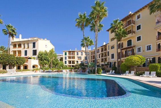 Apartamentos Mallorca - Inmobiliaria Nova - Ref. 86887  Impecable apartamento de 2 dormitorios en un lujoso complejo de Puerto Portals, Mallorca. Elegante apartamento en Puerto Portals en una localización tranquila con vistas al mar sobre el puerto.   http://www.inmonova.com/es/property/id/655821-apartamentos-mallorca