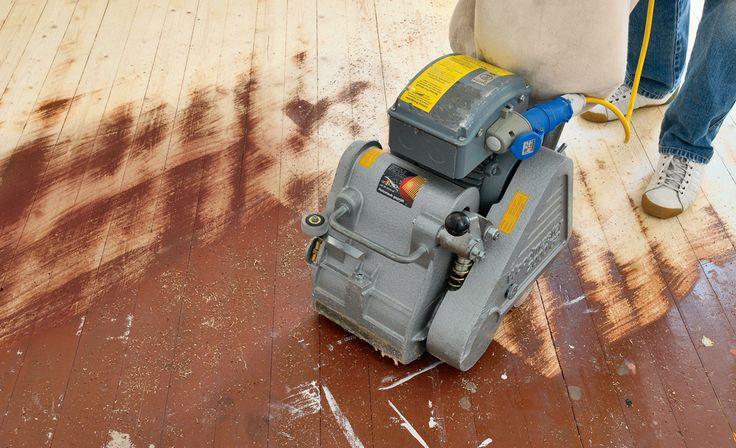 Dielen selbst abschleifen: Einen alten Holzboden können Sie gut selbst aufarbeiten – außer ein paar Schweißperlen kostet es nicht viel