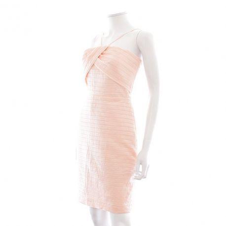 Que pensez-vous de cette : Robe - Mango - suit n'hésitez pas à vous faire plaisir : https://www.entre-copines.be/fr/robes-de-soirees/robe-mango-suit-13320.html    Entre-Coines c'est l'expérience du neuf au prix de l'occasion ! merci pour le repin ;). #Mango Suit #fashion #robe de soiree pas cher #mode pas cher