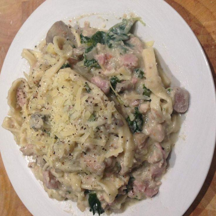 NO cream chicken & mushroom pasta cabonara.