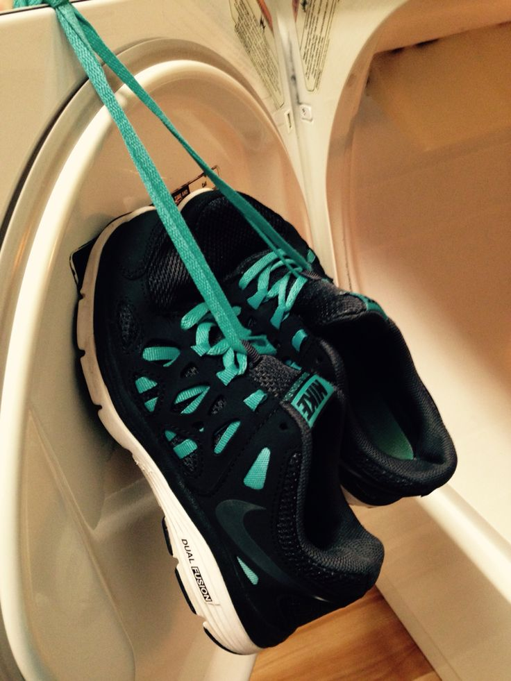 how to clean tennis shoes in washer