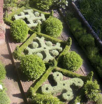 26 best images about knot gardens on pinterest gardens for Tudor knot garden designs