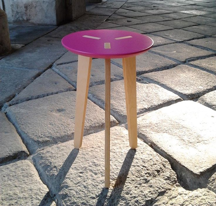 Pregadio stool, rose