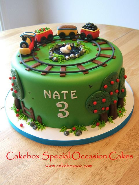 Train Cake by cakeboxsoc, via Flickr