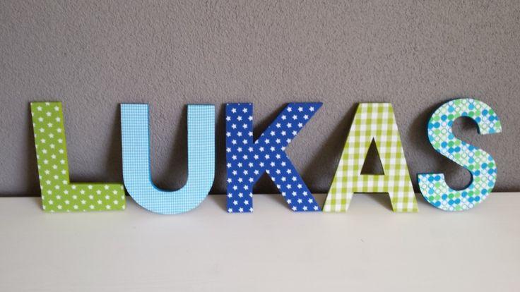 Houten letters 20cm Lukas