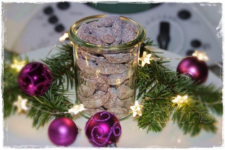 Schneemandeln 50 g Zucker 10 Sek./St.10 in eine Kunststoffdose mit Deckel umfüllen 200 g Mandeln mit Haut auf ein ...