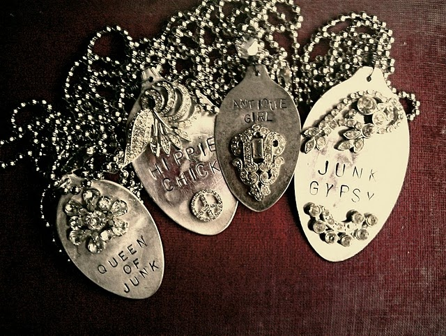 made from silver spoons: Spoons Pendants, Jewelry Necklaces, Vintage Looks, Metals Stamps, Spoons Crafts, Stamps Spoons, Dogs Tags, Silver Spoons Jewelry, Cute Dogs