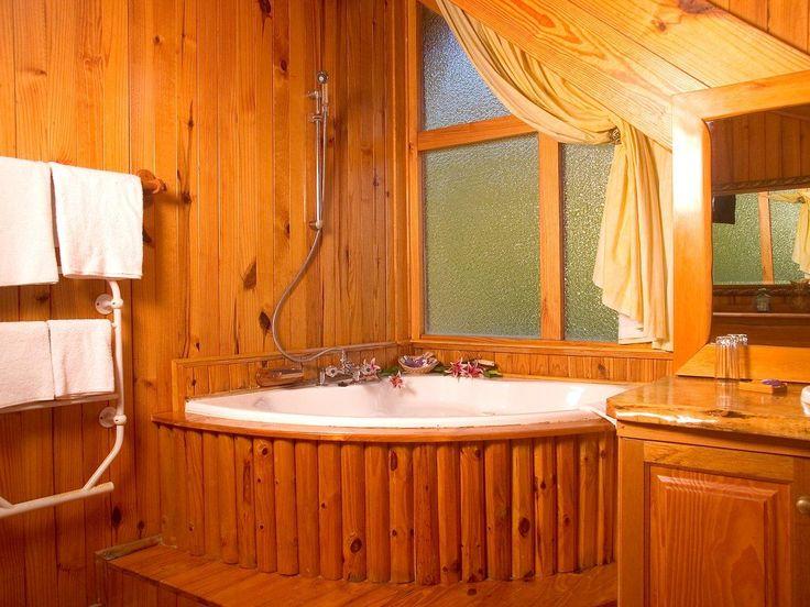 Brenton on Sea Chalets spa bath