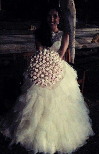 Gran bouquet porta alfileres + alfileres.  Hecho por encargo para la novia.