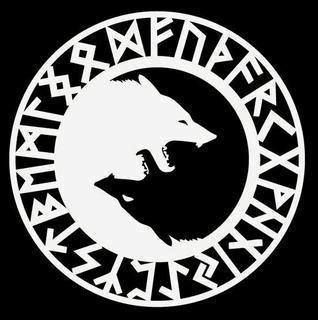 Círculo con un alfabeto de runas ( Futhark ) con dos lobos opuestos.
