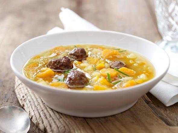 Kartoffel-Möhren-Suppe mit Hackbällchen - so geht's