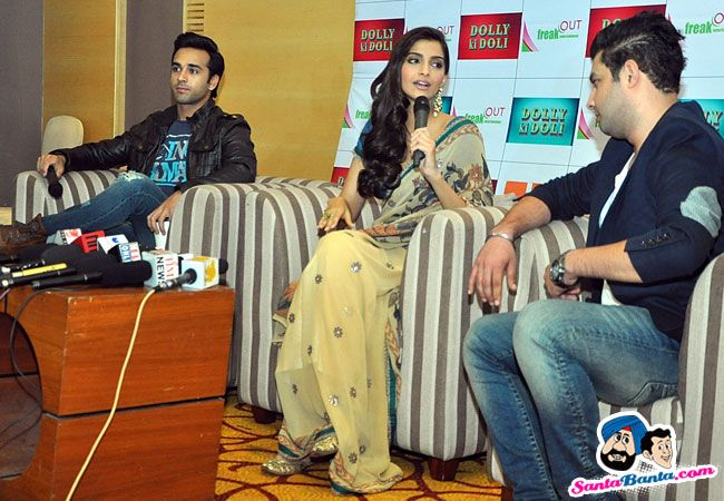 Sonam Kapoor Promotes Dolly Ki Doli -- Pulkit Samrat, Sonam Kapoor and Varun Sharma Picture # 294520