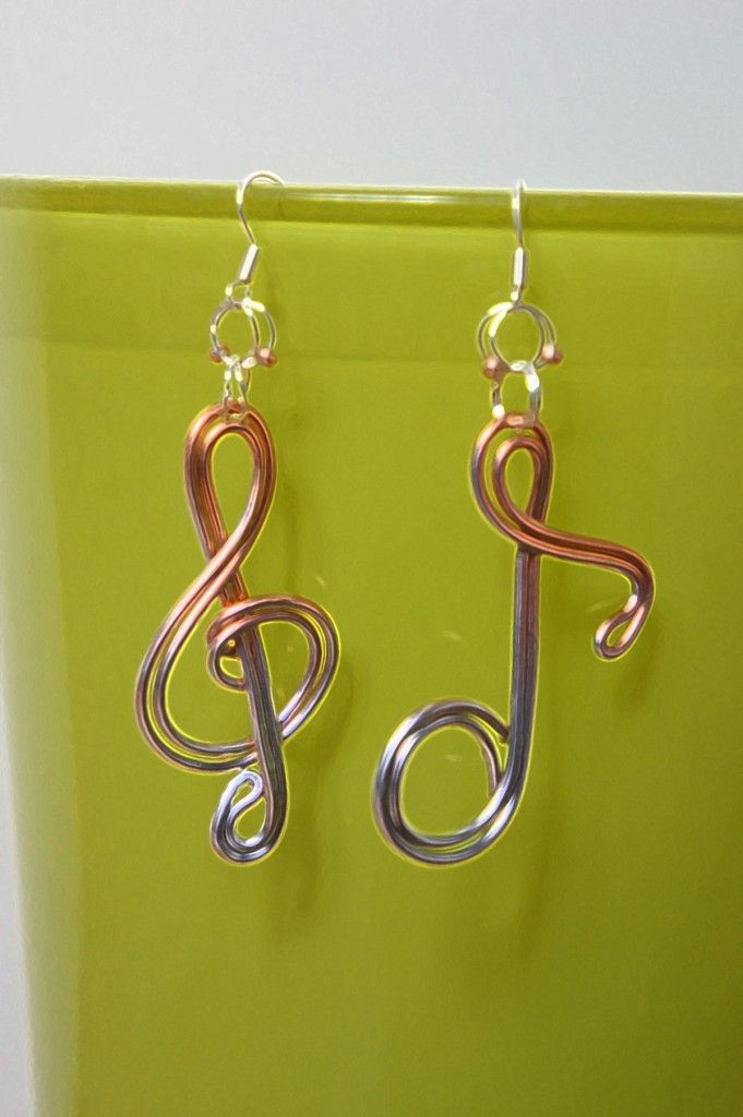 Avoir l'oreille musicale !! Boucles d'oreilles en fil aluminium …