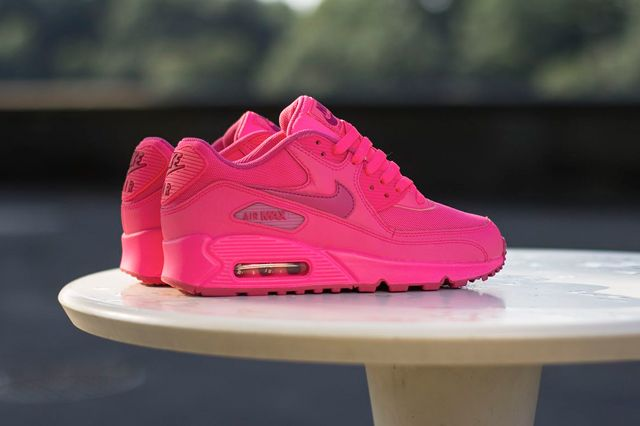 neon pink air max 90 hyperfuse