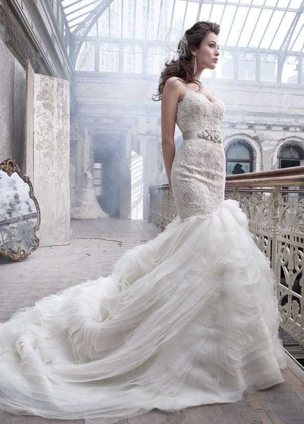 There is nothing more to say about the Lazaro wedding dress collection 2012 than sheer beauty and delicious materials.