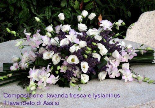 Chiese per matrimoni ad Assisi in Umbria Addobbi floreali con lavanda