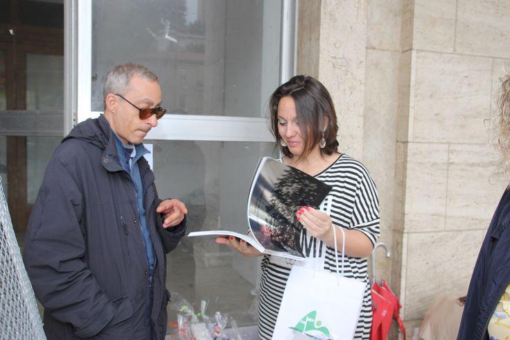 Scambi di doni tra  Maniago e Francavilla grazie alla preziosa presenza e disponibilità di Enrico Henri Issa e l'Ass. Buttari