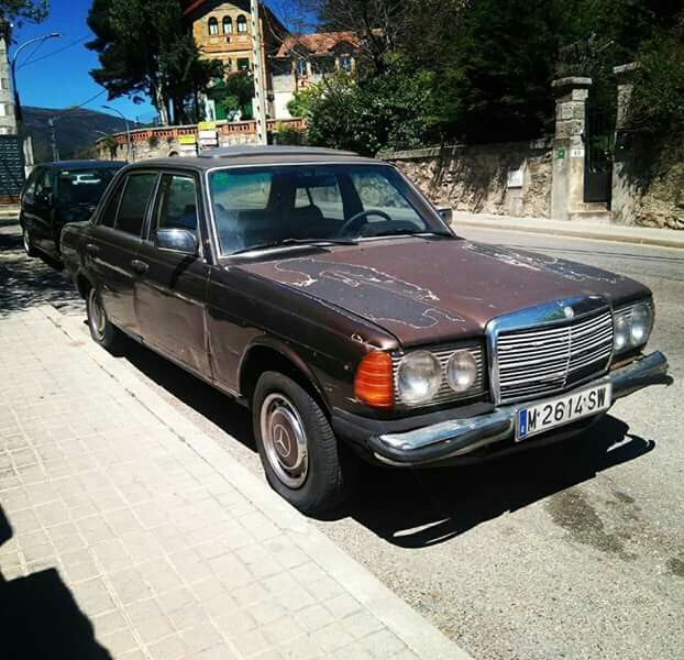Mercedes Benz w123 Patina Cercedilla-Madrid-Spain