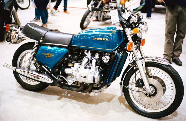 1280px-1975_Honda_GL1000_Gold_Wing.JPG (1280×836)