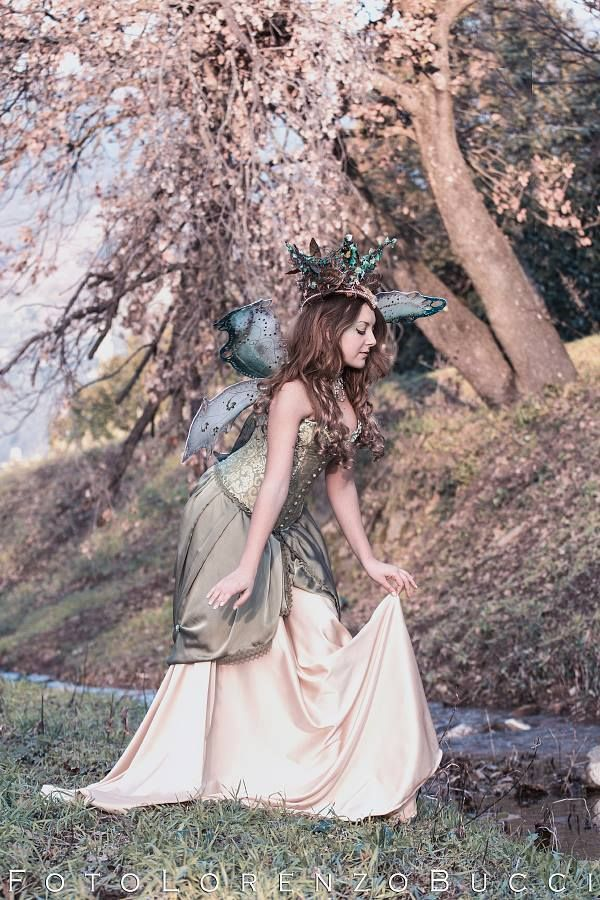 Titania The Queen of Faeries A midsummer night's dream Photo_ Lorenzo Bucci Follow me on FB: https://www.facebook.com/TamiyoCosplay or contact me to commission on page: https://www.facebook.com/EntrophyaShop