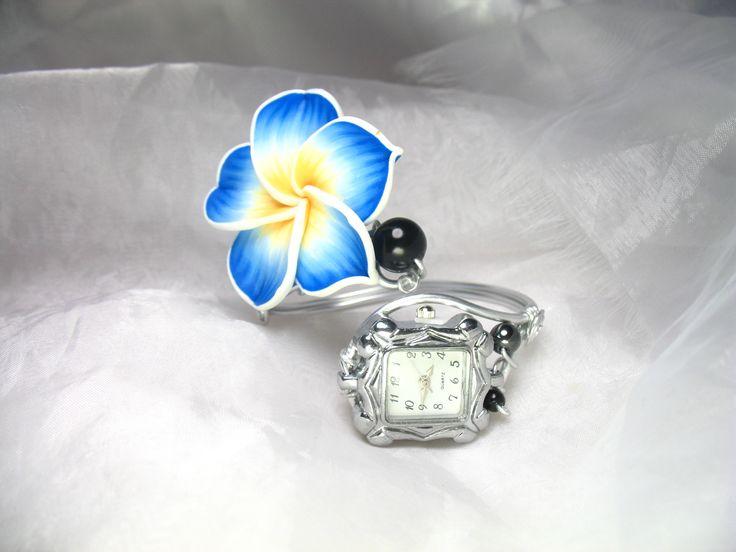 Montre bracelet personnalisable Fil d'aluminium Vahiné, fleurs fimo et perles en verre