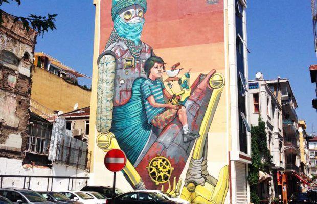 İSTANBUL / TURKEY / Kadıköy Belediyesi tarafından organize edilen, bu yıl 6'ncısı gerçekleştirilecek Mural İstanbul Festivali başlıyor. Gri duvarları birer sanat eserine dönüştüren Mural İstanbul, 2012 yılından bu yana Kadıköy'ü renklendiriyor. 3'ü yerli 3'ü yabancı 6 sanatçının katılım göstereceği festival 4-31 Temmuz tarihleri arasında gerçekleştirilecek.