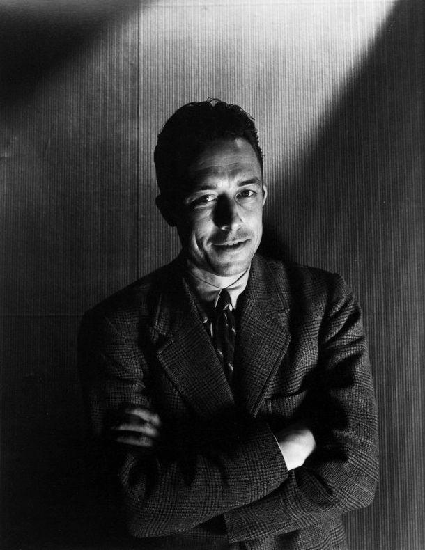 """Cecil Beaton, Albert Camus """"S'il est une chose qu'on puisse désirer toujours et obtenir quelquefois, c'est la tendresse humaine."""" Albert Camus """""""
