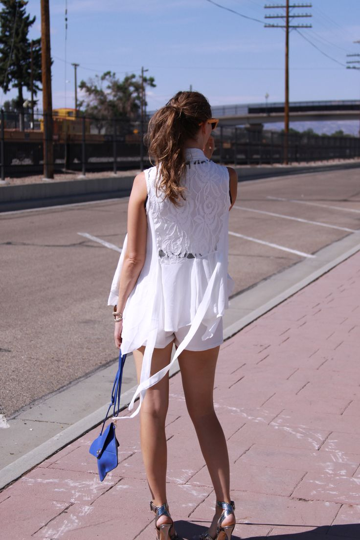 The Chicest, most versatile white lace vest #persunmall #mystylespot #style #fashion http://www.mystylespot.blogspot.com