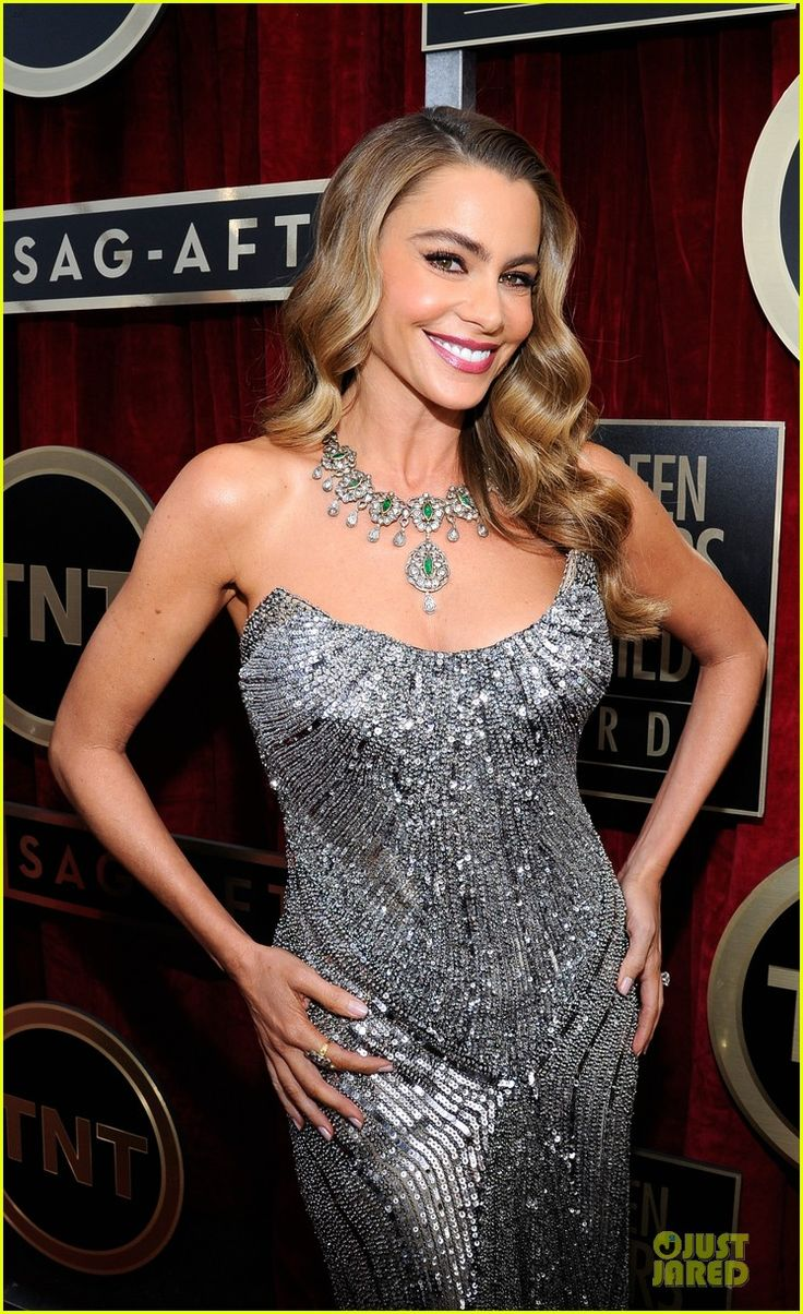 Sofia Vergara in Amrapali jewels.- SAG Awards 2013