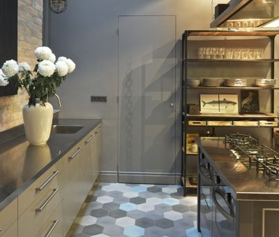 Krudy Luxury Apartment Budapest - the grey door hides the laundry room.