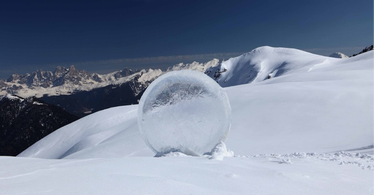 Marco Nones – Happiness of Silence, ice installation del 2011