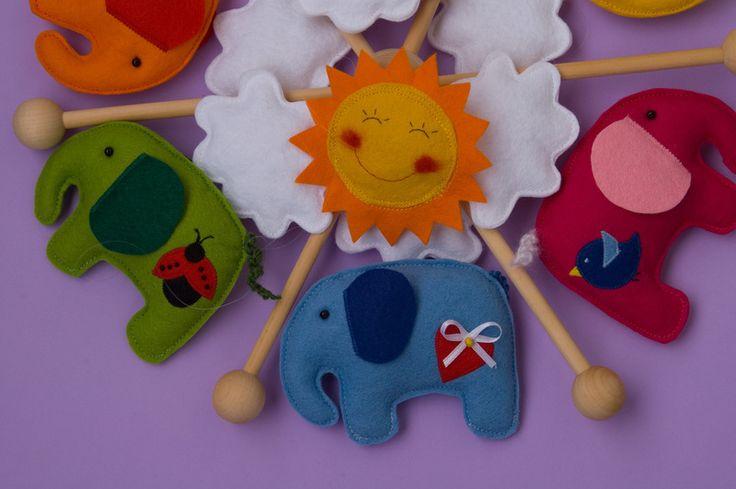 Mobile  Elefanten  Wolken  Baby  von Stoffdekor auf DaWanda.com