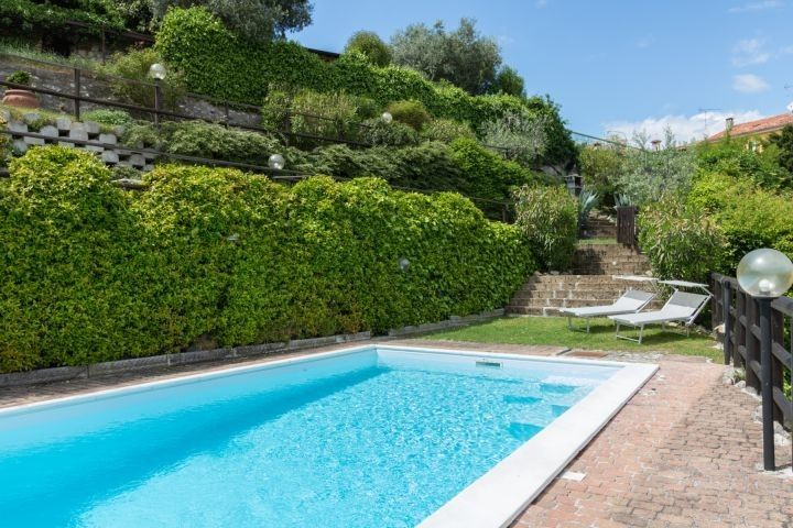 Charmantes Rustico Belvedere Mit Privatem Pool In Soiano Italien Toskana Adria Sudtirol Garda Italien Urlaub Mit Hund Italien Urlaub Outdoor Dekorationen