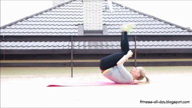 Polecam Wam 46 ćwiczeń na mięśnie brzucha, które przewinęły się w moich treningach przez ostatni rok. Oprócz wysiłków, które mają na ce...