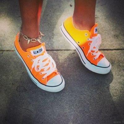 Orange Converse #summertime #neon #AllStar. Get yours at www.frontrunner.nl/converse