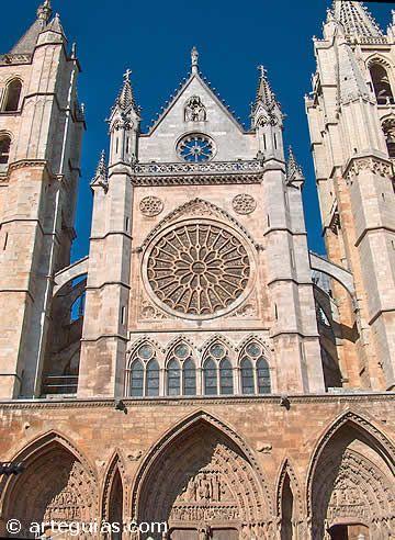 La catedral de León es el mejor exponente del Arte Gótico francés en España