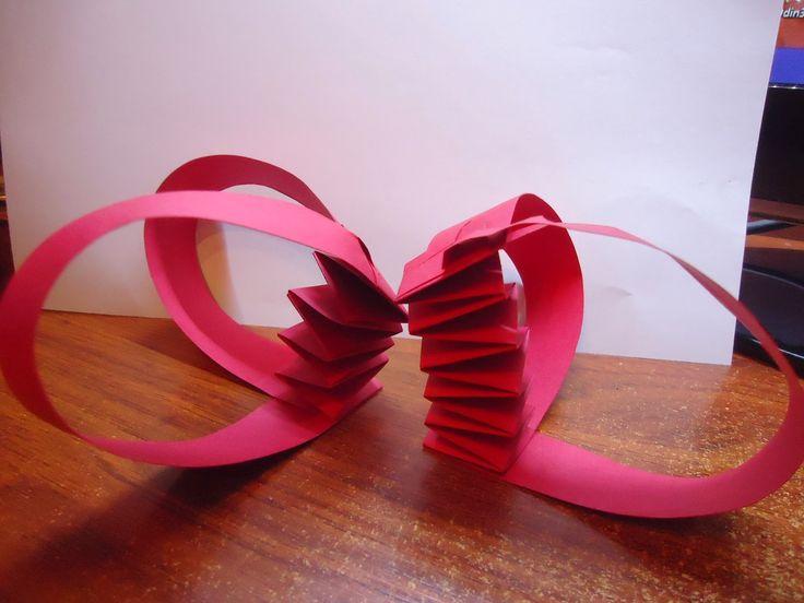 Constanza Fritzler: experimentacion con el papel, en busqueda de la tr...