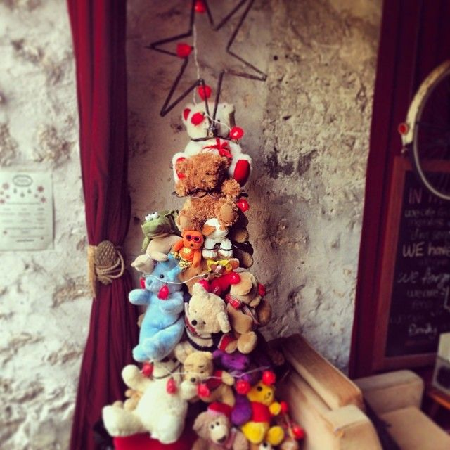 """@moorescafe's photo: """"Come see this 100% recycled Xmas tree! Thanks to Sharni an Tim:)"""""""