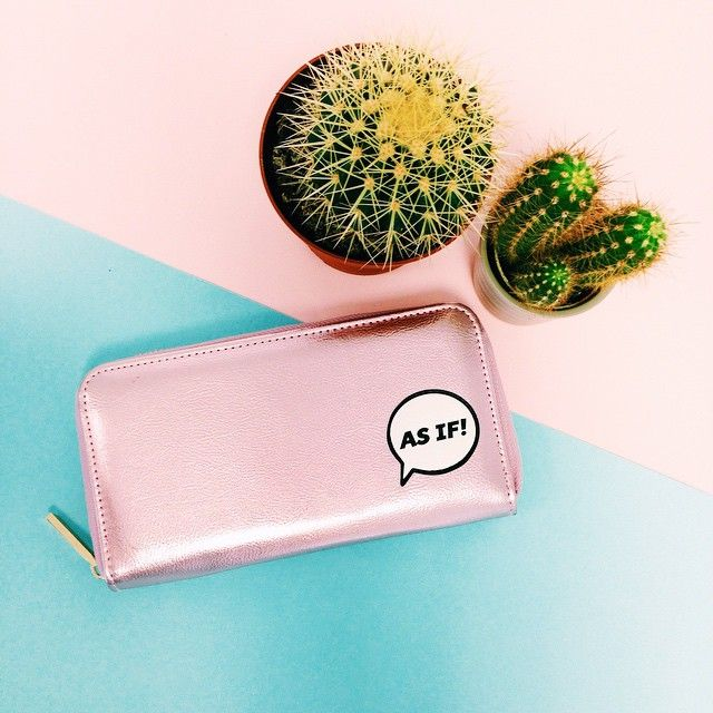 OH MA GAWDD! Our 'AS IF' purse has just landed on site!  Cher Horowitz would be proud ✨#skinnydiplondon #asif #purse #skinnydip #clueless #cherhorowitz #babestation