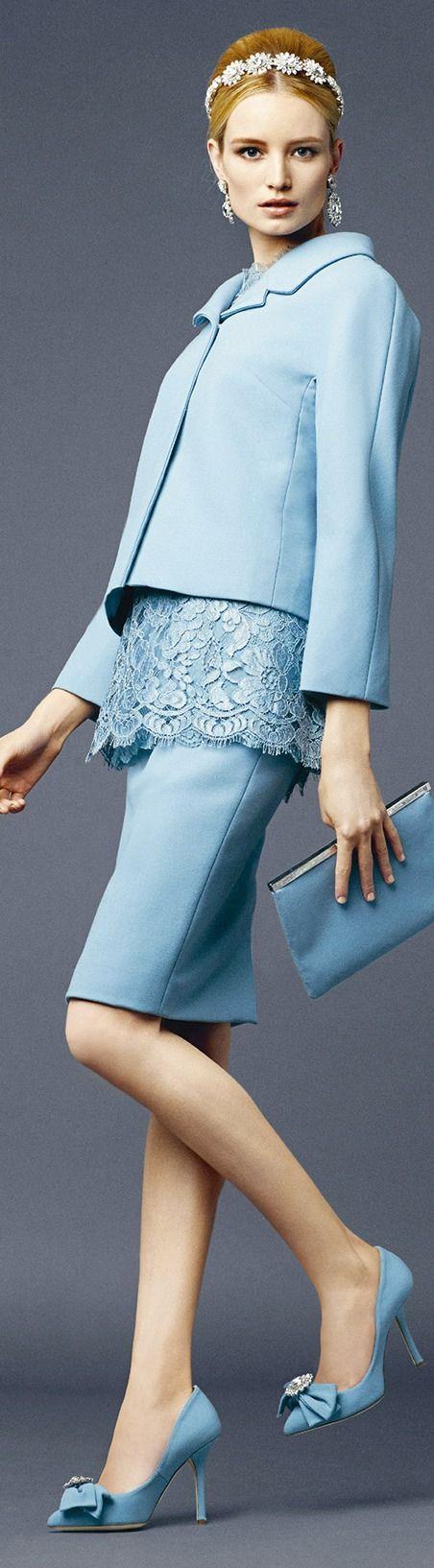 Dolce & Gabbana, Spring/Summer 2014. Zakelijk in lichte zomertype (Z1) kleur.