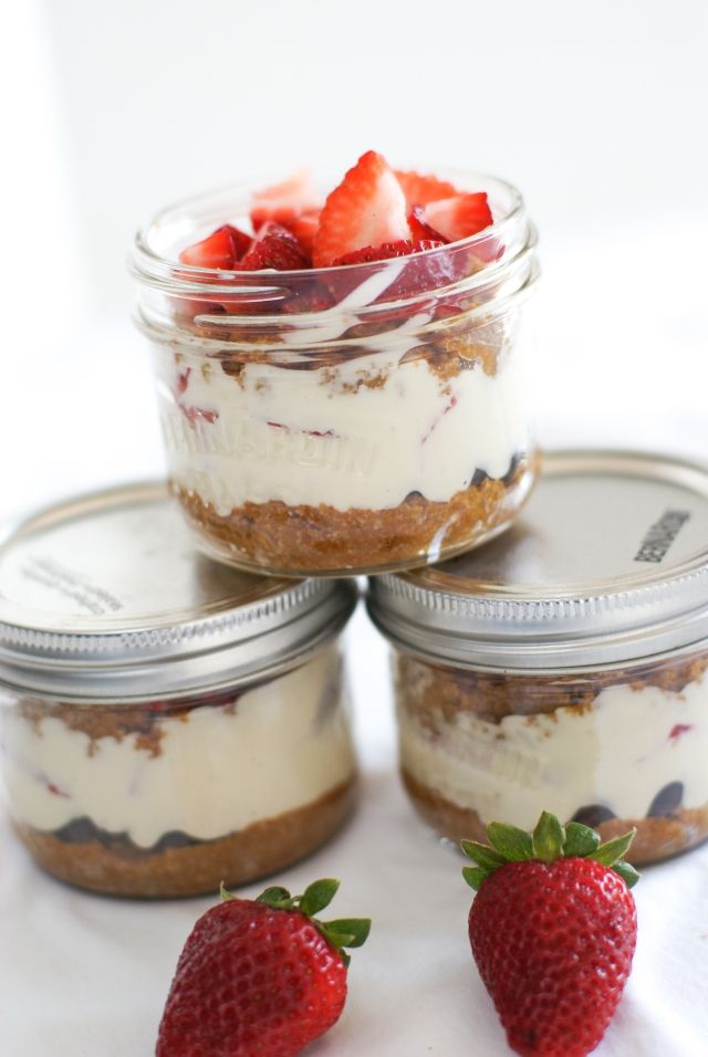 No Bake Cheesecake in Mason Jars | recipe NOT gluten free- but crust can easily be made gluten free!