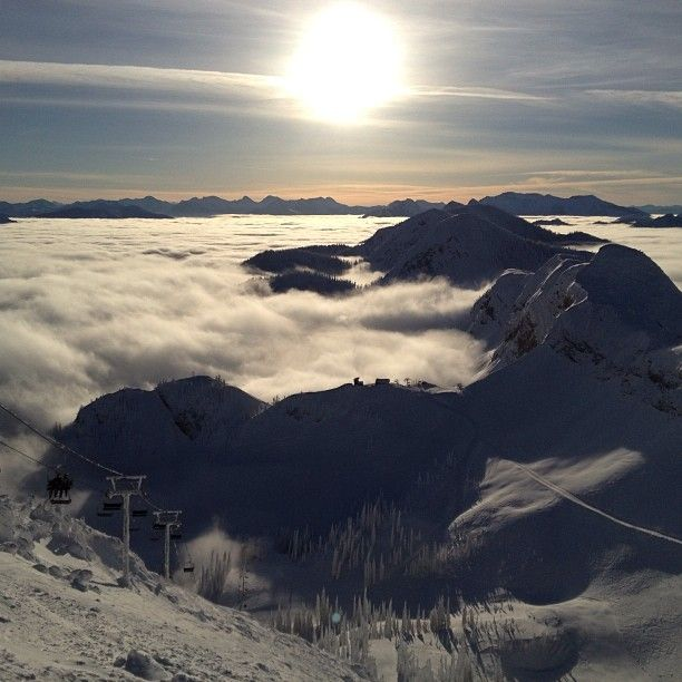 Fernie Alpine Resort Ski Area in Fernie , BC