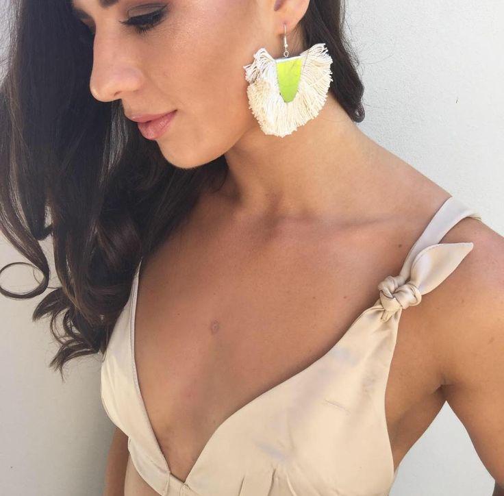 Nikki Beige Crop online now. The cutest crop!  www.thestyleinsider.com.au