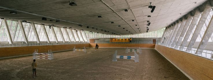 Beta.0, Miguel de Guzmán · Covered Riding Arena Refurbishment · Divisare