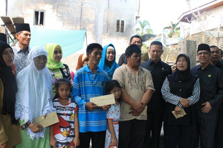Kak Wari Solusi Terbaik Penerus Alex Di Sumatera Selatan Daerah Sumatera Selatan sebentar lagi akan mengadakan Pemilu untuk memilih Gubernur baru. Setiap partai akan bersaing untuk mengunggulkan kader pilihannya tak terkecuali partai Golkar. Hal tersebut semakin jelas dengan pernyataan ketua DPD 1 partai Golkar di Sumatera Selatan Ir. H Alex Noerdin SH bahwa partai yang berlambang pohon beringin tersebut harus memenangkan Pemilu di Sumatra Selatan pada sambutannya di hadapan seluruh kader…