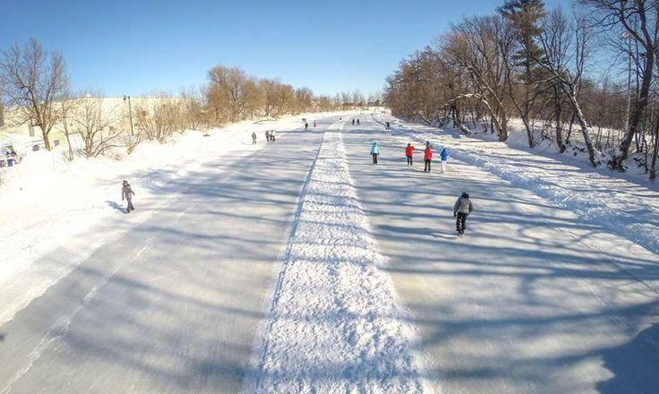 Le patin est une activité de plein air à la portée de tous. Vous cherchez quoi faire dans Lanaudière? Vous trouverez des patinoires extérieures naturelles partout dans la région.