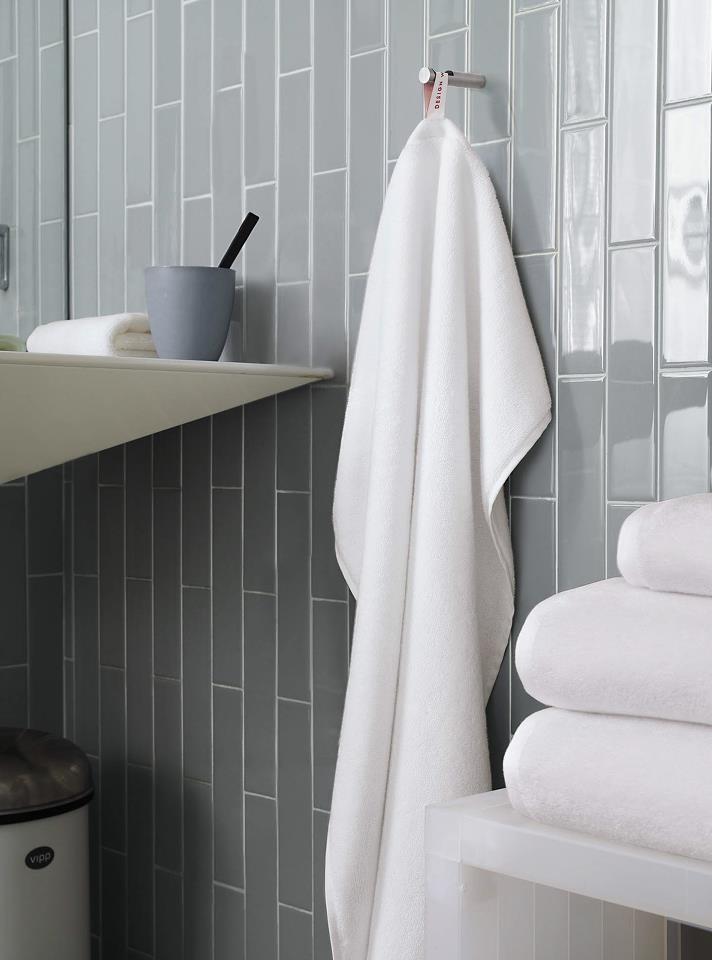 Best Bathroom Tiles Images On Pinterest Bathroom Ideas - Plush towels for small bathroom ideas